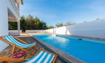 villa_more_with_pool_and_garden_2_villsy