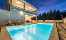 villa_more_with_pool_and_garden_10_villsy