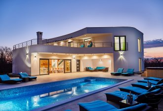 villa_chill_thrill_1_villsy