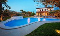 Villa David Porec - spacious holiday home with swimming pool