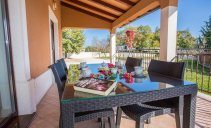 Villa Luna - holiday house with swimming pool