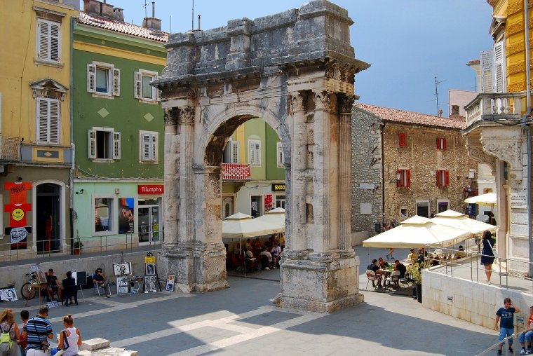 3 Questions About Pula Everybody Asks Before Renting a Villa There